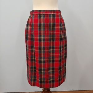 PLUS SIZE Red Plaid Wool Skirt Size 14